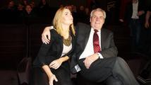 Dcera Zemanová u Šípa prozradila: Táta se u vtipů s virózou dobře bavil