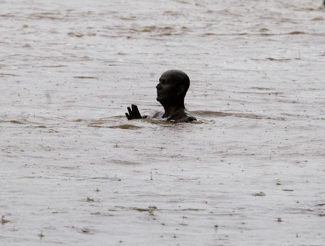 Povodňový hyenismus zaplavil internet. Proč tolik zla?