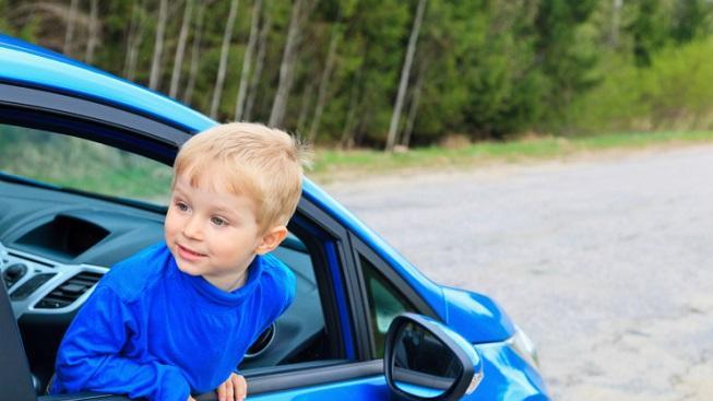 Dítě v autě (ilustrační foto)