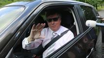 Komunista Štěpán udeřil na Jana Fischera. A mluví o jeho dávné minulosti