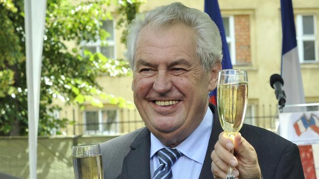 Miloš Zeman se raduje