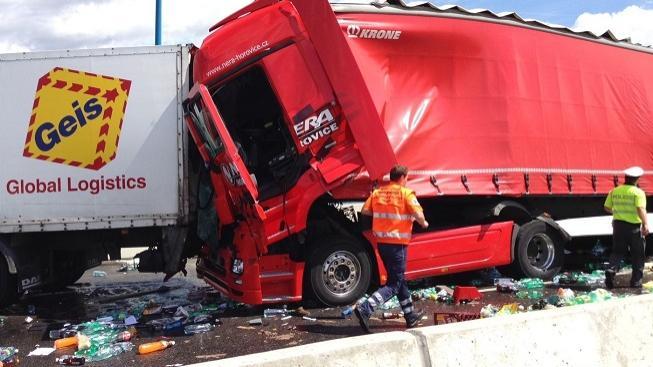 Nehoda kamionů, Praha