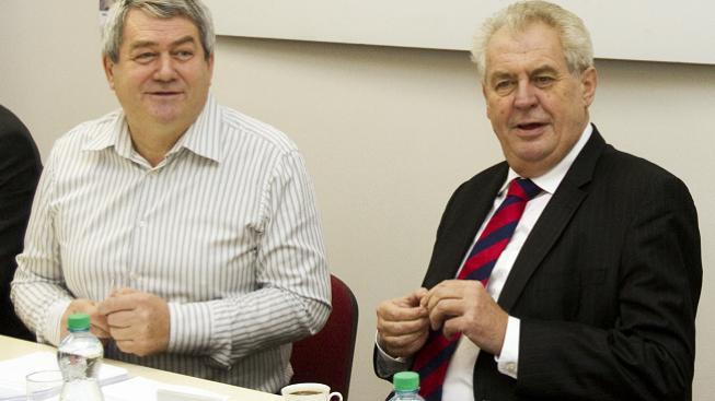 Vojtěch Filip, Miloš Zeman (vpravo)