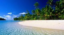 Safírově modré moře a svítivě bílé pláže. Perla Polynésie jménem Tahiti