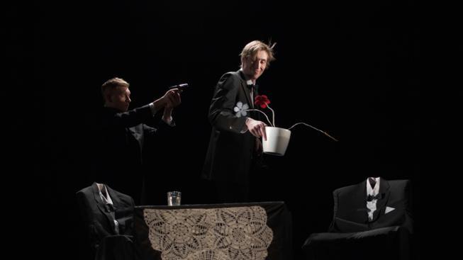 Scéna tzv. černého divadla