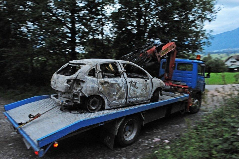 Příšerná smrt! Otec unesl dcery (†2, 5) a upálil je zaživa v autě