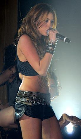 Miley C. v Paříži