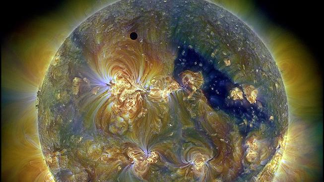 Tranzit Venuše přes Slunce