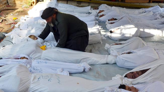 Oběti chemického útoku, kterým prezident Asad zabíjí povstalce