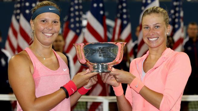 Hradecká a Hlaváčková s pohárem z US Open