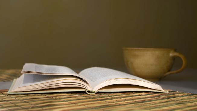 Čtení (ilustrační fotografie)