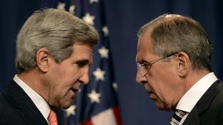 John Kerry a Sergej Lavrov (vpravo)