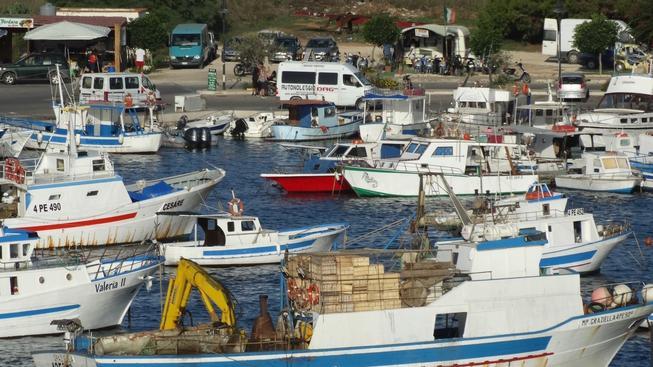 Pátrání po tělech u ostrova Lampedusa