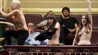 Členky Femen ve španělském parlamentu
