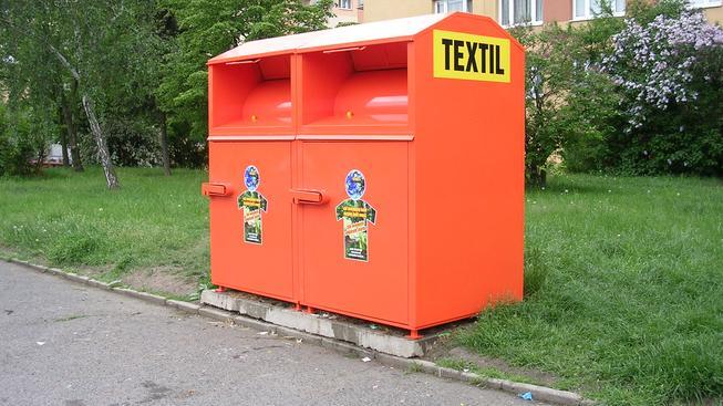 Kontejner na textil (ilustrační foto)