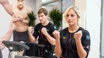 Olympijský šampion Svoboda trénuje: S kráskou a elektřinou ve svalech