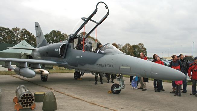 Letadlo L-159