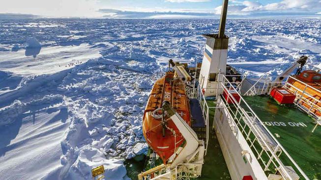 Záchranná akce na Antarktidě