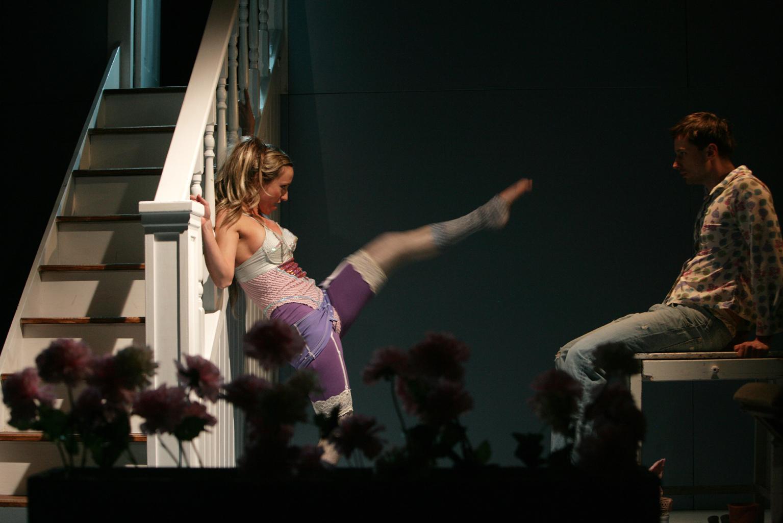 Představení Modrovous - odvěké téma muže a ženy na prknech Dejvického divadla