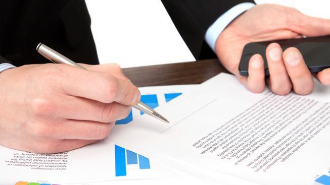 Smlouva s operátorem (ilustrační fotografie)