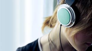 Pomáhá poslech hudby při učení? Rozhodně ne, domnívají se vědci