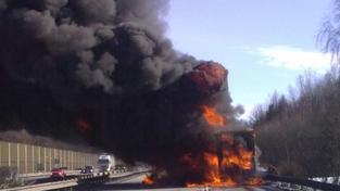 Hořící kamion (ilustrační foto)