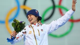 Sáblíková se raduje ze zlaté medaile