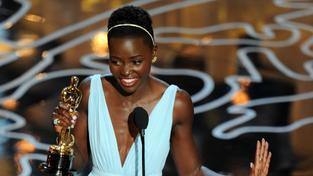 Lupita Nyong'o s Oscarem za 12 let v řetězech