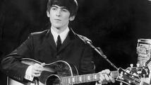 Dražbě legendární kytary The Beatles by měla vynést až 12 milionů korun