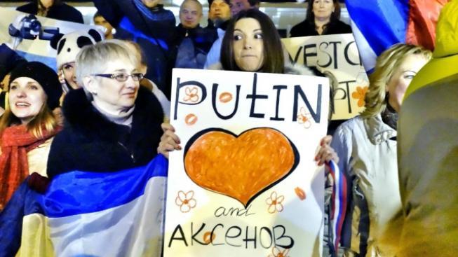 Proruští Krymčané se radují z připojení poloostrova k Rusku