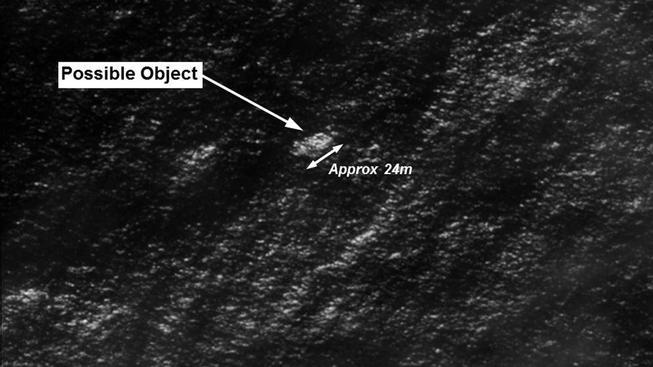 Satelitní snímek zachycující údajné trosky letadla