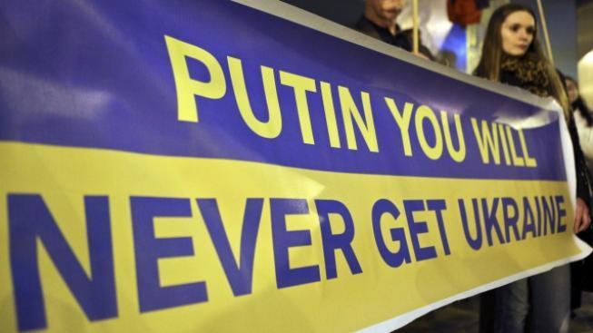 Protest proti Rusku a na podporu Ukrajiny