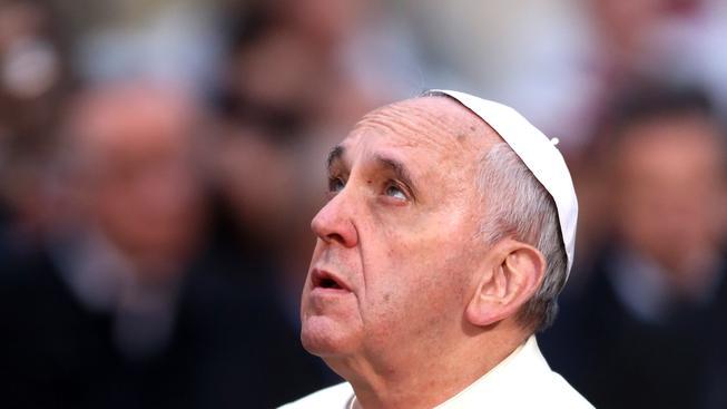 Papež František se omluvil za zvrhlé duchovní jejich obětem