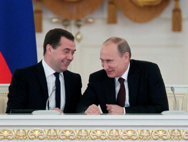 Putin odměnil sebe a Medveděva za dobrou práci zvýšením platu