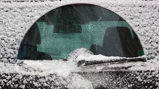 Sníh na Liberecku způsobil dopravní komplikace (ilustrační foto)