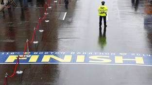 Američané si připomněli první výročí atentátu na bostonský maraton