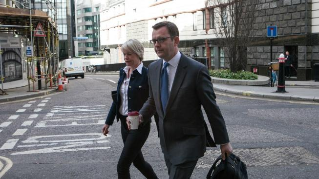 Andy Coulson míří  k sodu