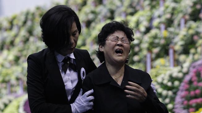 Příbuzní obětí stále truchlí