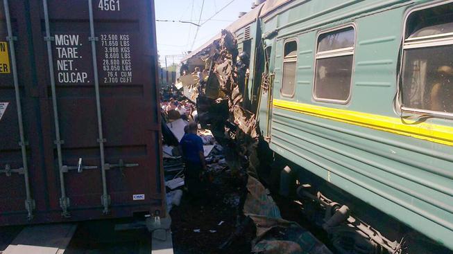 U Moskvy se srazila nákladní souprava s pasažérským vlakem