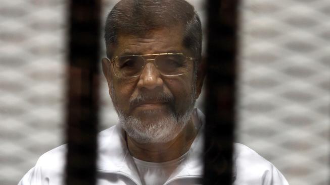 Egyptský exprezident Hosní Mubarak u soudu