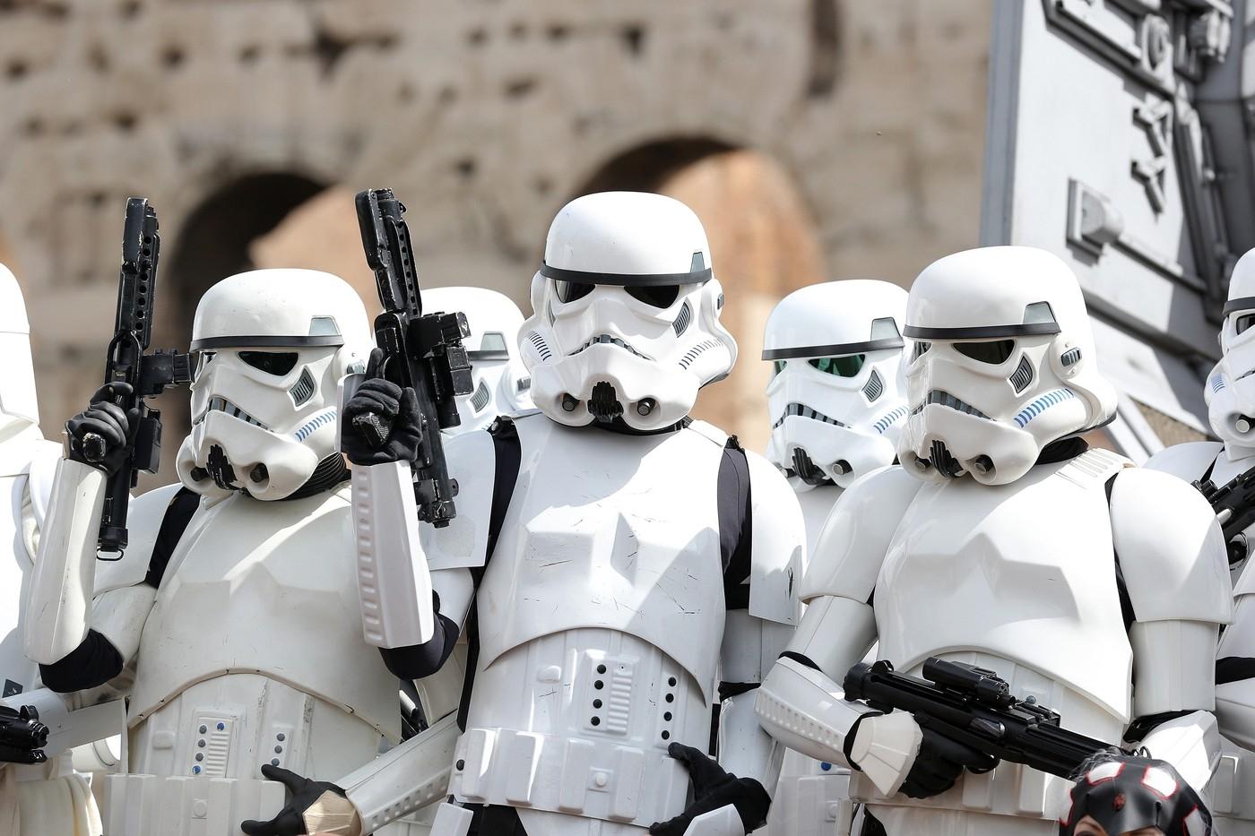 V Oděse zatkli stormtroopery Dartha Vadera, který kandiduje na starostu