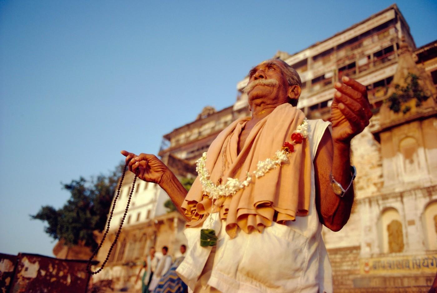 Indický soud rozhodne, zda je náboženský guru mrtvý, nebo jen medituje