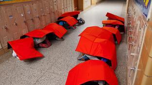 Neprůstřelné pokrývky pro americké školáky