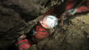 Uvězněný německý speleolog