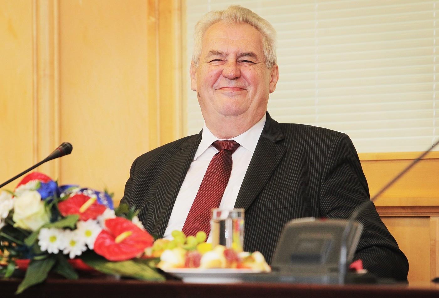 ITAR-TASS: Zeman navrhuje zrušit víza pro Rusy