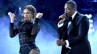 Americký rapper Jay Z na pódiu s manželkou Beyoncé