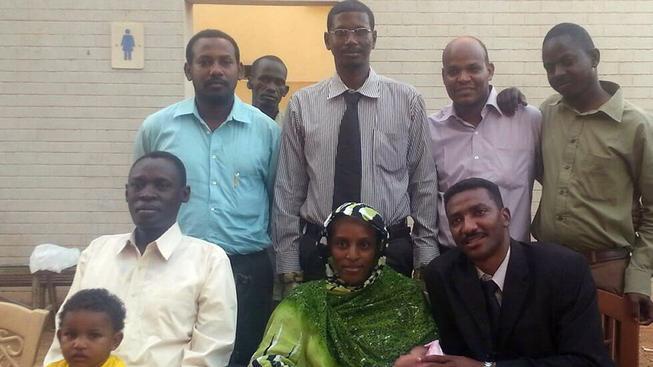 Meriam Ishagová s rodinou