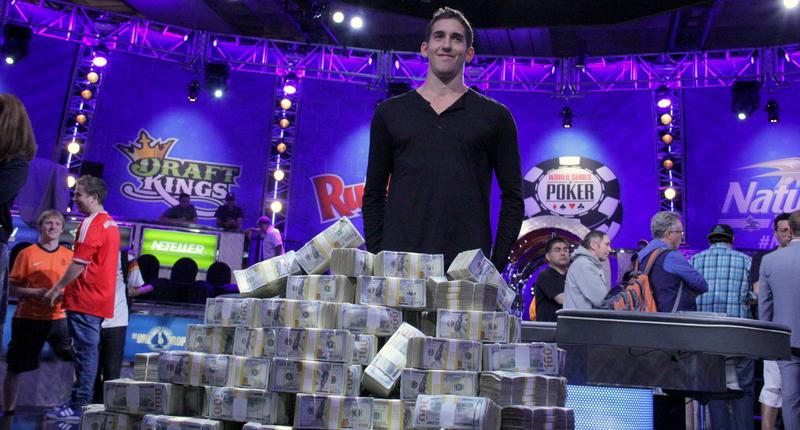 Pohádková výhra v pokeru! Mladý Američan je bohatší o 300 milionů