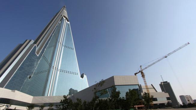 Ryugyong Hotel, Severní Korea