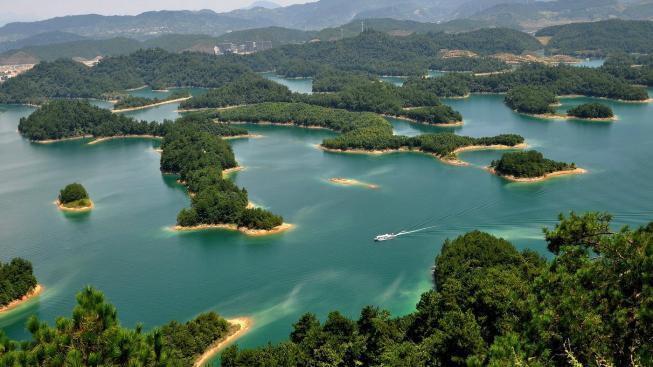 Jezero tísíce ostrovů, Čína